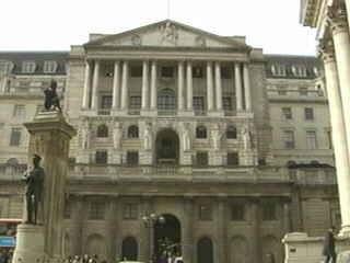 イギリス イングランド銀行 政策金利0.5%引き下げ 年1.00%に