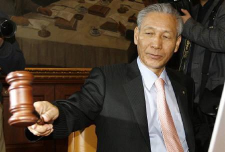 韓国銀行 総裁 李成太 イ・ソンテ